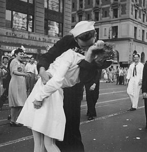 U.S. Navy sailor Glenn Edward McDuffie kisses a nurse in Times Square in an impromptu moment at the close of World War Two, after the surrender of Japan was announced in New York August 14, 1945. (REUTERS/Victor Jorgensen/US Navy/Handout via Reuters)